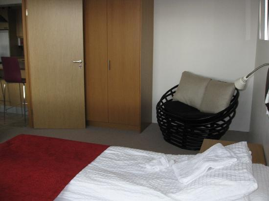Downtown Reykjavik Apartments: Bedroom 2