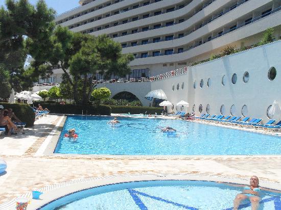 Titanic Beach Lara Hotel: 25m pool