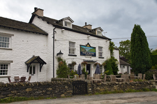 The Hare and Hounds Restaurant: Exterior view
