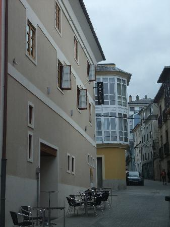 Hotel Rolle: Exterior 2