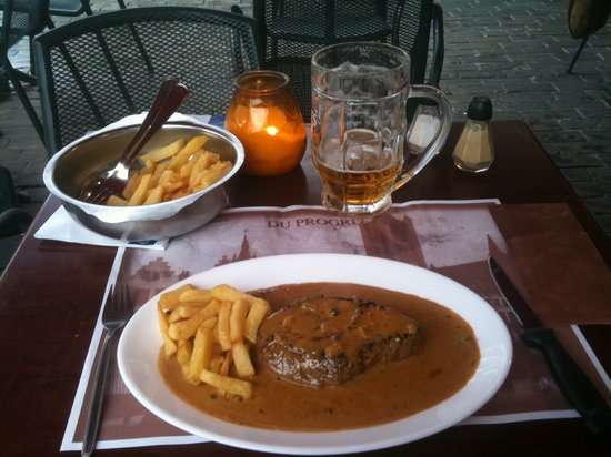 Du Progres: Main course arrives- steak with sauce, fries and excellent Belgian beer.