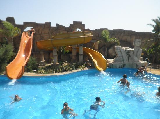 La piscina de toboganes fotograf a de zimbali playa spa hotel vera tripadvisor - Hotel piscina toboganes para ninos ...