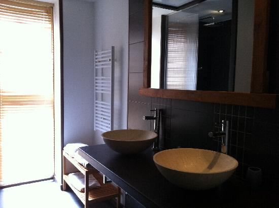 Interieurs-cour: salle de bain
