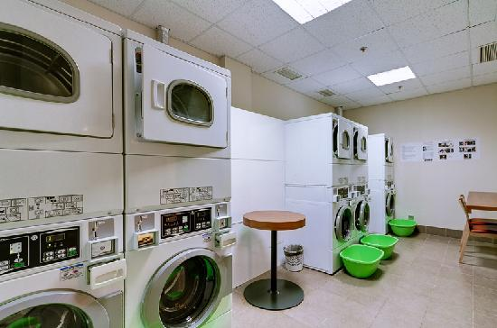 Staybridge Suites St. Petersburg: complimentary self-service Laundry