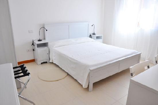 Bed and Breakfast Teramo: Stanza Bianca - Matrimoniale
