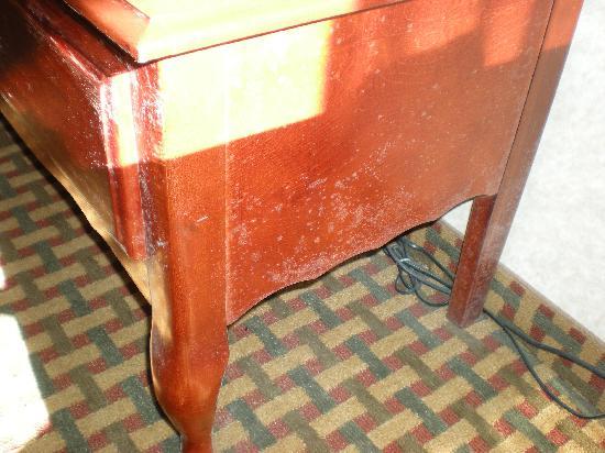 Best Western Bradbury Inn & Suites: tv table