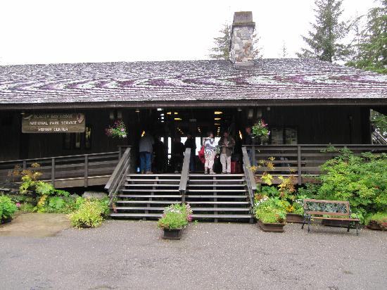 Glacier Bay Lodge: Main Lodge