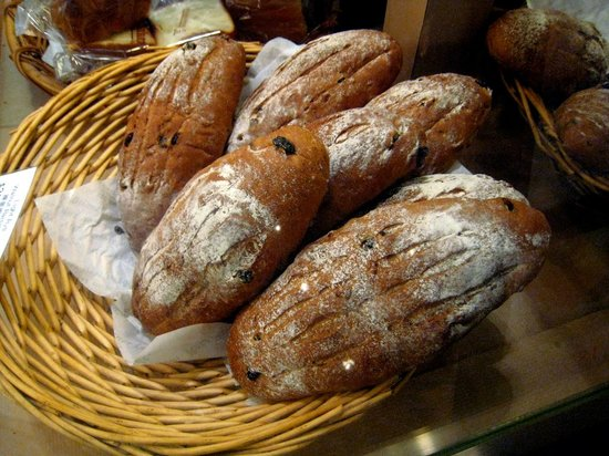 A-1 Bakery: Nice take home bread