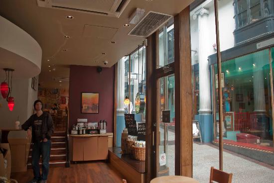 Starbucks Broadmead Bristol: In the store