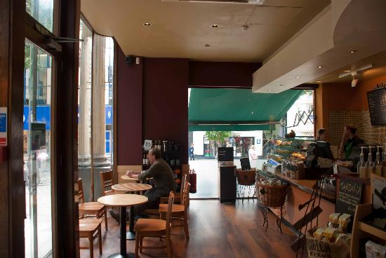 Starbucks Broadmead Bristol: Counter