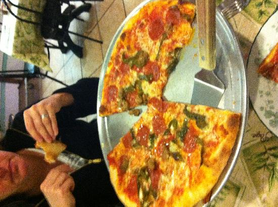 Peppi's Pizzeria: Large with Sausage, Pepperoni and Green Pepper