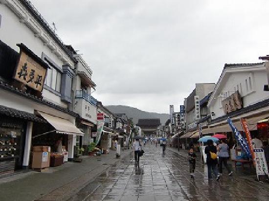 Zenko-ji Temple: あいにくの雨模様です