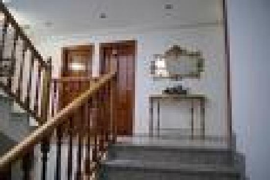 Praderon Hotel: escalera
