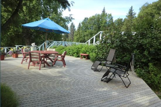 Halcyon Heights B&B / Inn: One of the many deck area
