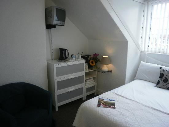 Cromer Guest House: Family suite (rooms 6/7)