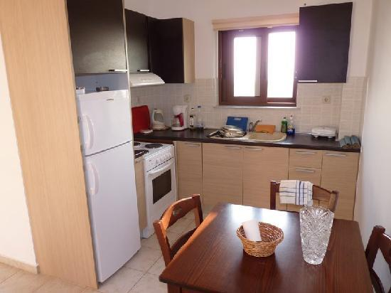 Panthea Suites : kitchen