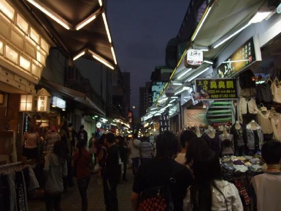 New Jyuejiang Shopping Area : 新堀江商圏8
