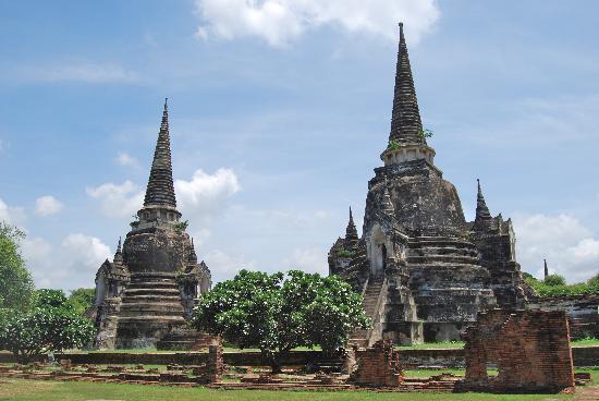 Wat Phra Si Sanphet - chedi - Picture of Wat Phra Sri ...