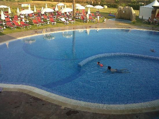 Alma Resort: Piscina