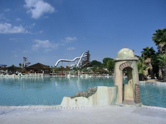Aqualandia : La piscina e gli scivoli per tutti i gusti e tutte le età