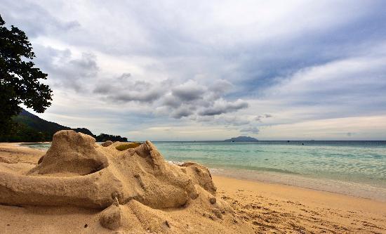 Berjaya Beau Vallon Bay Resort & Casino - Seychelles : Berjaya Beau Vallon beach 1