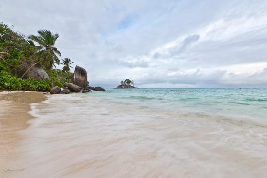 Berjaya Beau Vallon Bay Resort & Casino - Seychelles: Berjaya Beau Vallon beach 3