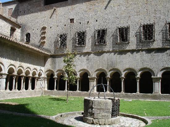 Gerona, Spanien: Vue intérieur cathédrale