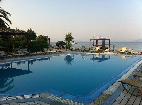 Odysseus & Agnes Apartments