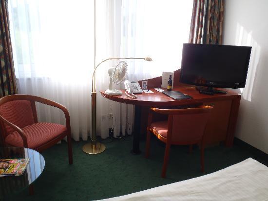 DORMERO Hotel Dresden Airport: 部屋の備品