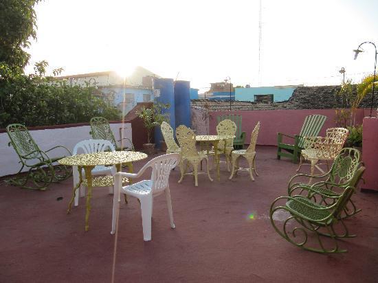 Hostal Del Pino y Belkys : terrace