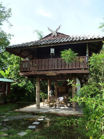 Ban Chunsongsang Home Stay: Le bungalows pour la famille