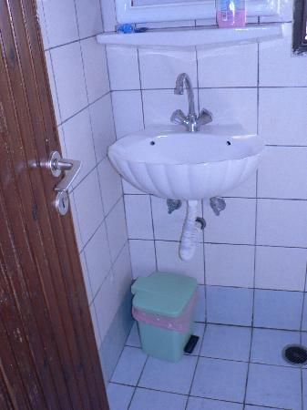 Hotel Helena : bagno