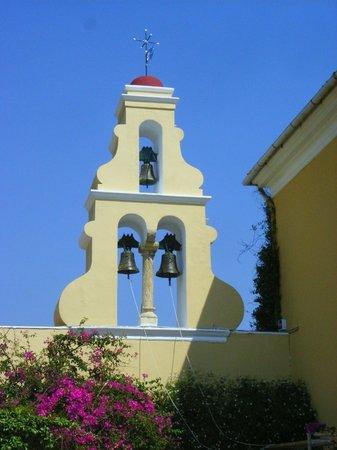 Corfu, Griekenland: Der Glockenturm im typisch griechischen Stil