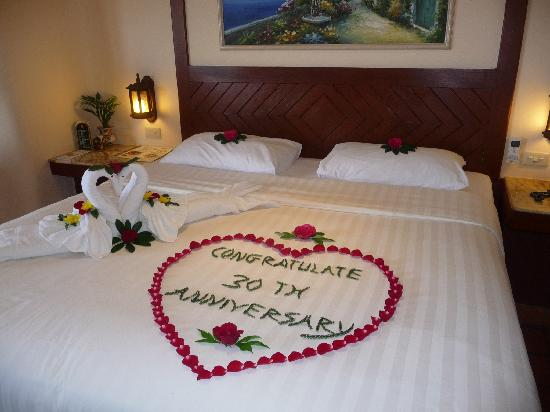 Pacific Club Resort: Anniversary Decorations