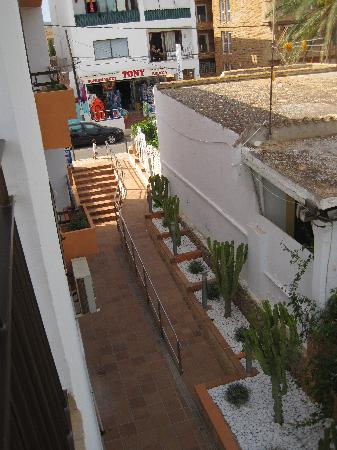 Apartments  Llevant: entrance