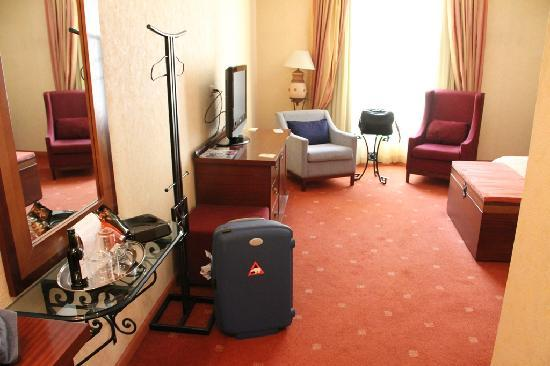 Arena di Serdica Residence Hotel: Zimmer