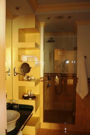 Arena di Serdica Residence Hotel: Badezimmer