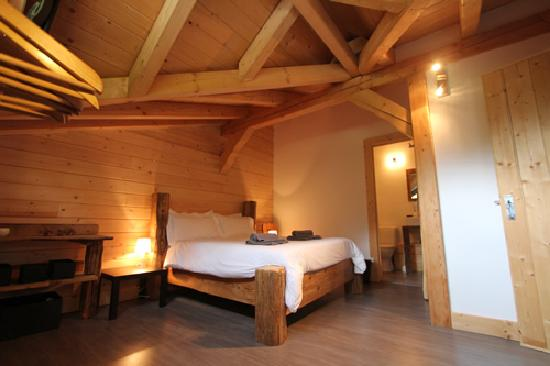 Chalet Pomet: Dormer bedroom
