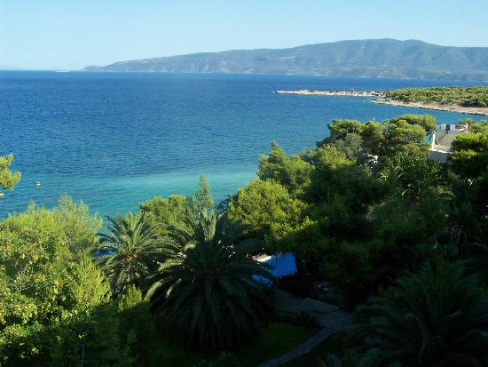 Isthmia, Yunanistan: vue de la droite de l'hotel