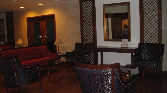 Bhimas Paradise: lobby area