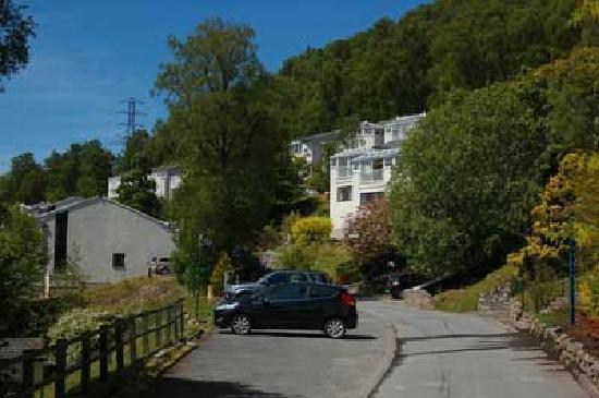 Loch Rannoch Highland Club: Set into the hillside.