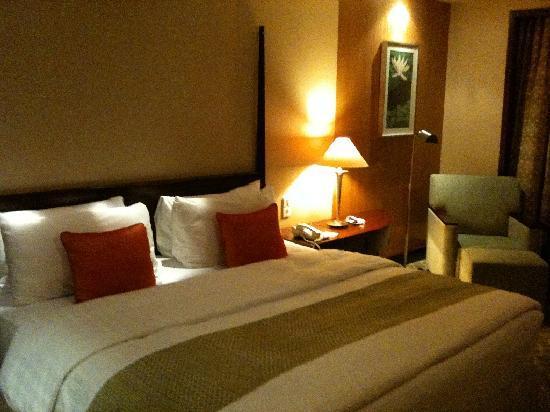 AYANA Midplaza JAKARTA: Bedroom