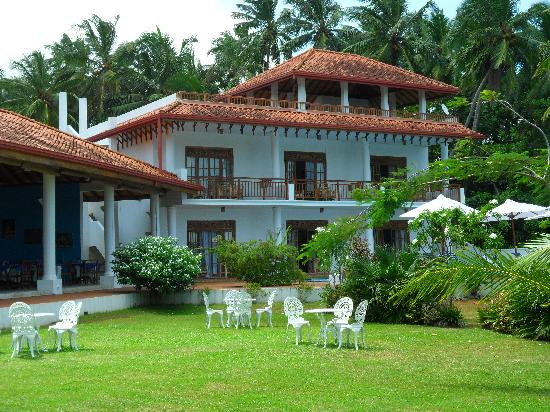 The Waterside Bentota: View of Guesthouse