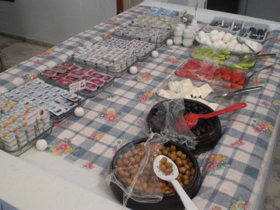 Hotel Istankoy Kusadasi: breakfast