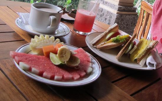 Ubud Bungalow: breakfast