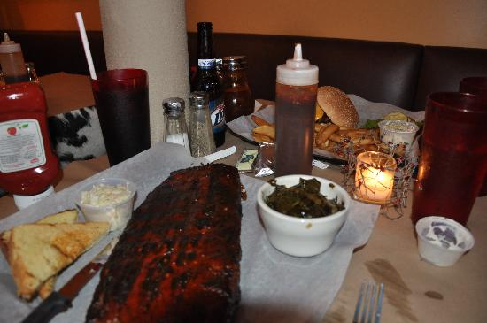 FAT WILLY'S BBQ: massive ribbs