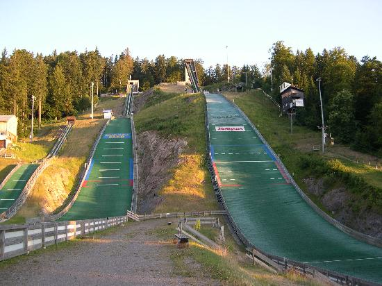 Thome Hotel-Pension : Rampa di ski jumping a Hinterzanten