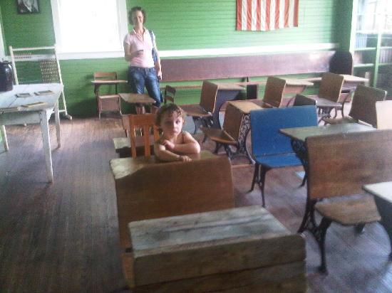 Pioneer Museum of Alabama : One classroom school