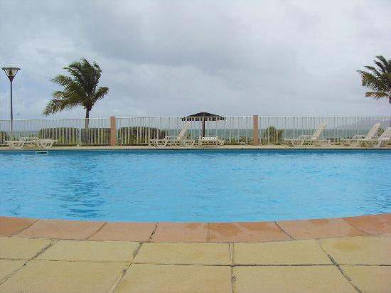 Nettle Baie Beach Club: la piscine