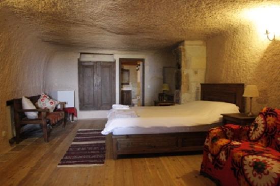 Takaev Cave Hotel & Guest House: una camera